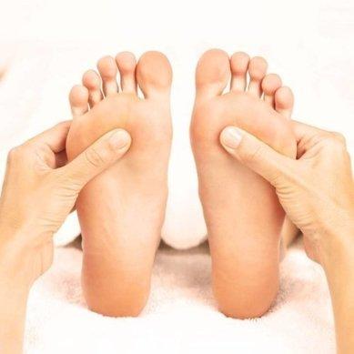 Adore+Essence-Reflexology+massage