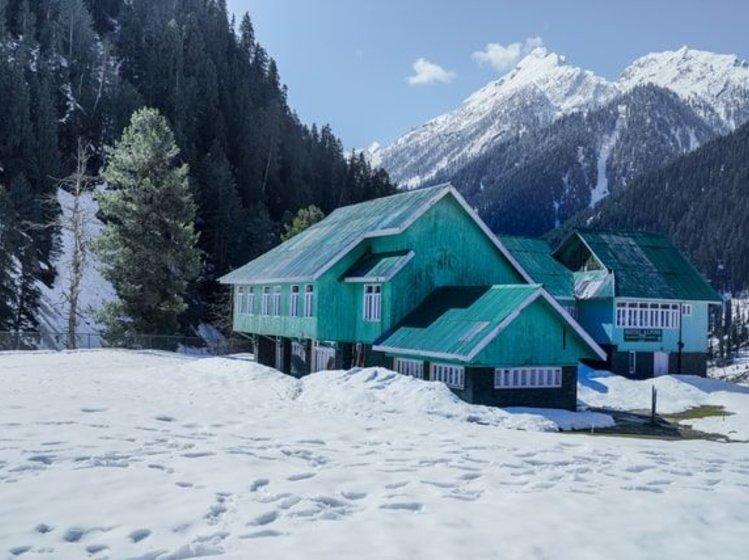 House-Kashmir winter trip